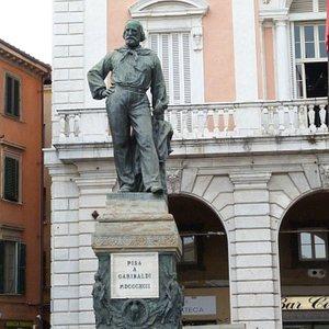 Veduta della statua