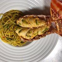lagosta com spaghetti: sabor inigualável.