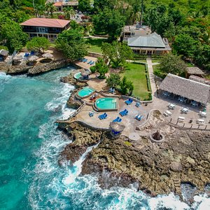 Westender Inn seaside restaurant and bar and three seaside pools