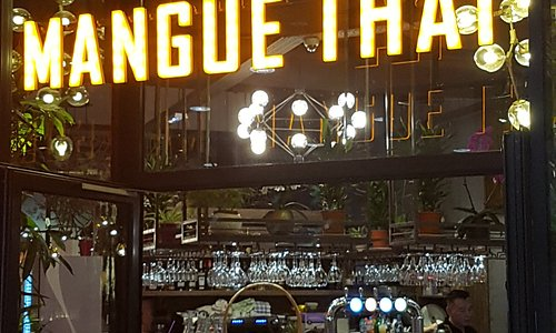 Restaurant Thaï,  beau cadre et plats délicieux  dans la galerie du centre commercial à BELLE ÉPINE