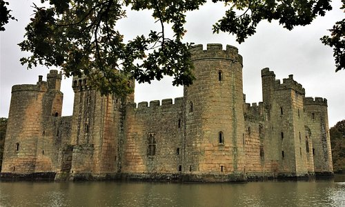 20.  Kent Downs Area of Outstanding Natural Beauty; Bodiam Castle
