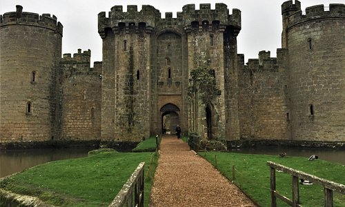 21.  Kent Downs Area of Outstanding Natural Beauty; Bodiam Castle