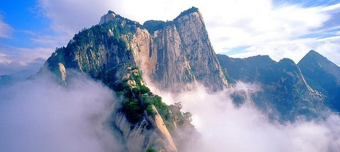 Xi'an Huashan Adventure One Day Tour(WEST UP&NORTH DOWN)