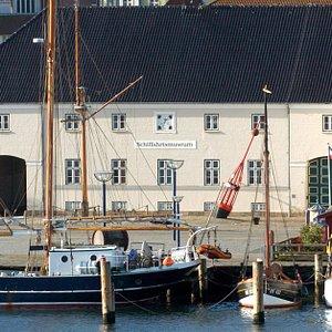 Das Flensburger Schifffahrtsmuseum - direkt am Hafen von Flensburg