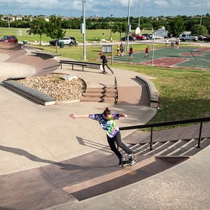 Brushy Creek Sports Park has it all; baseball fields, soccer fields, a disc golf course, mountain biking trails, and a skateboarding park. The skate park is approximately 15,000 sq ft. and includes a mini bowl, large bowl, modern street course with coloring, textures, shade and landscaping.