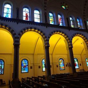 St. maroun maronite Catholic Church のステンドグラス