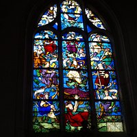 The stained glass window, Tree of Jesse (around 1530 and restored in 1876)