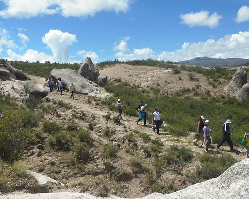 walking in the highlands  with us pampachiri tours 967801337
