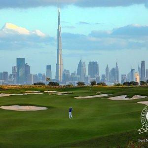The stunning par 5 5th hole at Dubai Hills Golf Club by Jumeirah.