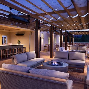 Tetto features a full craft cocktail bar, alfresco bar seating, comfortable lounge areas, and inviting fire pits