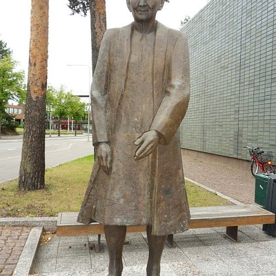Helvi Honka (1903-1993)