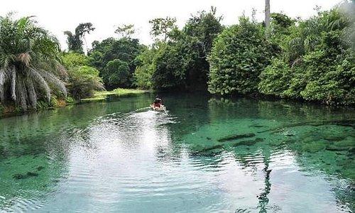 Lac BLEU de NDENDE dans la province de  la NGOUNIE