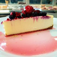 The oh soooo gluten free and delicious, very berry cheesecake!