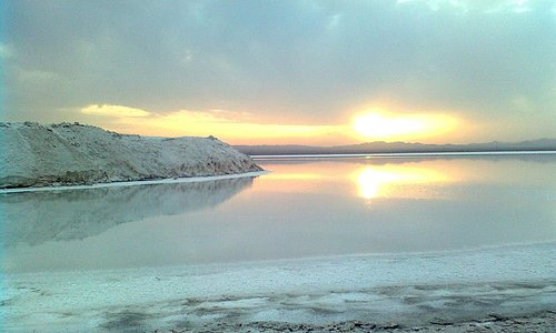Hoze Soltan Salt Lake,Qom✏ Have you ever heard anything about natural mirror? Salt Lake Hoze Soltan which located in Qom is looks like a white hole in summer and a clear, blue lake in winter. For reservation the offering tour and more information please contact us by email or directly🌍💫