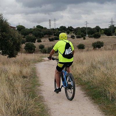 Alquiler de bicicletas, rutas guiadas, escuela de bicicleta niños y adultos