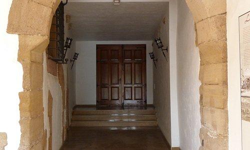 Puerta de Entrada y Portal de Tamarit