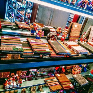 ARTES DEL COLCA art & souvenirs