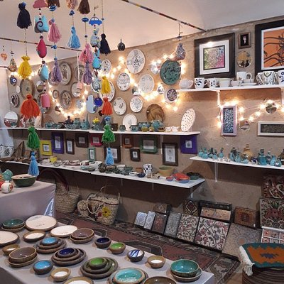 nice art shop located in traditional part of kashan