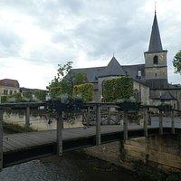 Old Hickorybrug och H.H. Nicolaas en Barbarakerk i Valkenburg