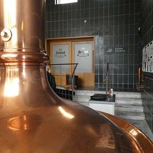 Inne i Brand Bierbrouwerij i Wijlre