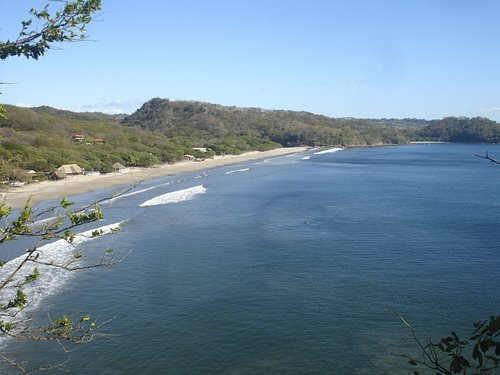 Visit Playa el Coco, one of the most beautiful beach of Nicaragua and stayed at one of our houses.
