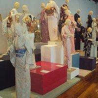 Quimonos ó Kimonos.