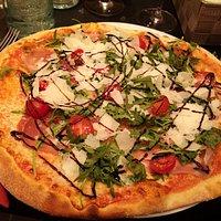 pizza San Daniel