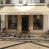 Excelente para comprar cerâmicas e ter uma 'aula' sobre cerâmicas em Portugal. Excelente atendimento, vale a visita!