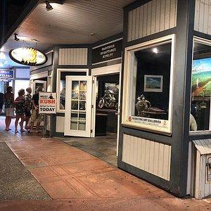 Kush Fine Art Gallery on Front street Lahaina Hawaii