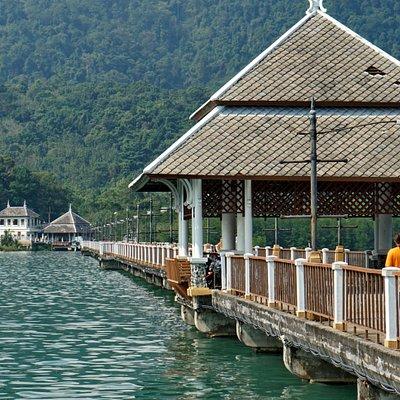 Baan Salak Petch Pier