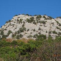 Гора Крестовая снизу (вверху виден крест)