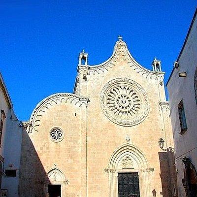 COMBO OFFER 5 Pvt WALKING TOUR (Matera Alberobello Lecce Ostuni Cas. del monte)