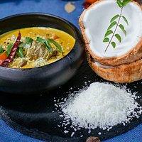 Res coco curry. Res cocido con leche de coco y cebolla, Garam Masala