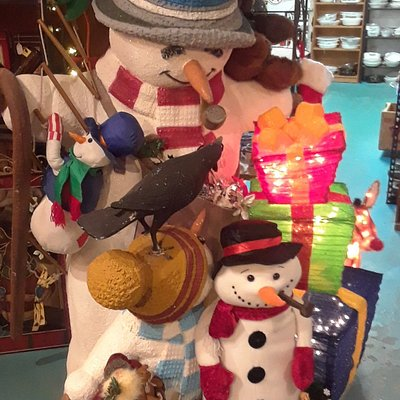 Great thrift store in Yucca Valley over 2000 sq feet of fun unique items. From old to new at great low prices.