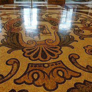 Mosaico  del Salón de los Paso Perdidos.