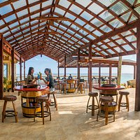 Outdoor casual dining right on the water's edge