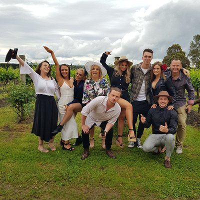 Group photo - winery tour geelong