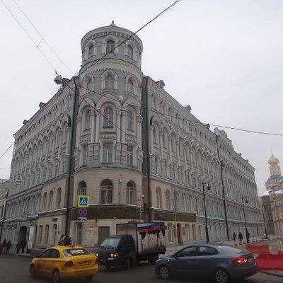 Троицкое подворье,  Биржевая площадь и ул. Ильинка, январь.