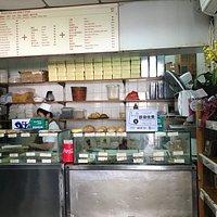 お店内部、サンドイッチコーナー。