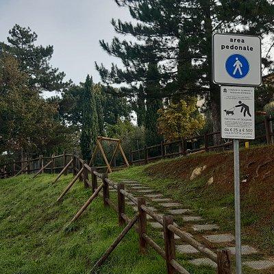 accesso pedonale al parco da via Oscar Romero
