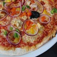 J'ai adoré ce restaurant car les pizzas sont très bonnes et de plus très copieuses et pas chéres
