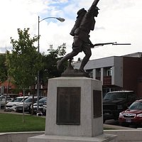 A statue of WWI