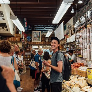 5th generation tour guide Stuart introducing his group to his old friends Joe & Nicolas, the father & son ownership at Molinari Delicatessen (the oldest Italian deli on the West Coast).
