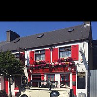 A beautiful traditional Irish pub right beside the famous river moy where go can relax with a nice beer & friendly atmosphere after a hard day in the office.  A place with no strangers just friends who haven't meet 🍻