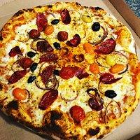 Primeur Ventabren Pizza Ventabren Dépot de pain, crèmerie, primeur, épicerie fine, traiteur. L'atelier du primeur de nos 2 chef Michaël Bourges et Andréas Yaragchi sont heureux de sélectionner pour vous leurs meilleurs produits.