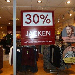 Im Einkaufszentrum - Pforte Winterberg...