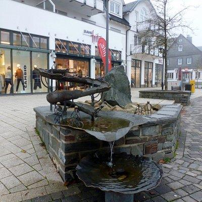 Der Sportbrunnen, am Marktplatz...