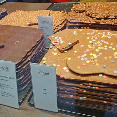 Schokoladen in vielen Variationen als große Tafeln