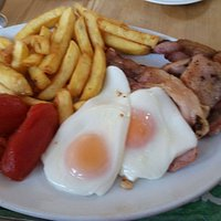 Yankee Breakfast 3x Bacon, 2x Eggs, Tomato (or beans) and Chips.