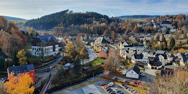 Blick vom Schlossturm ins Schwarzwassertal
